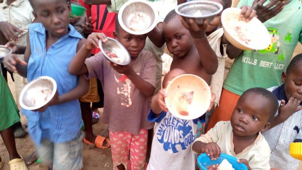 Urgently: food is needed.